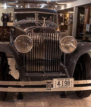 antique-rolls-royce